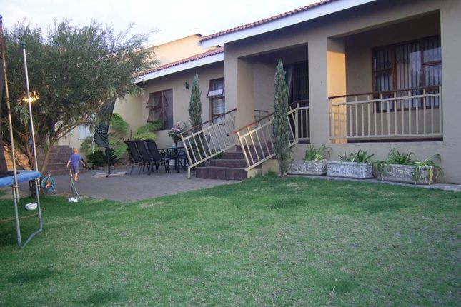 3 bed detached house for sale in Model Park, Witbank, South Africa