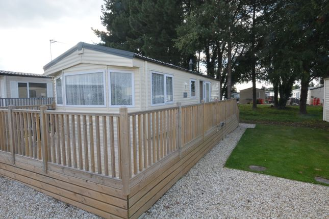 Thumbnail Mobile/park home for sale in Crowle Wharf, Ealand, Scunthorpe