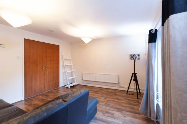 Thumbnail Semi-detached house to rent in Shipwright Road, London