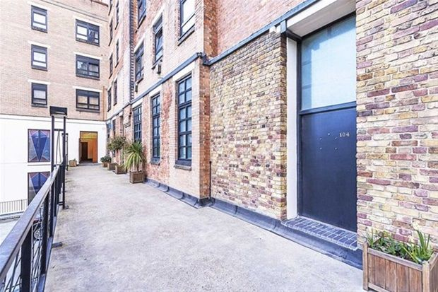 Thumbnail Flat for sale in Bethnal Green Road, London