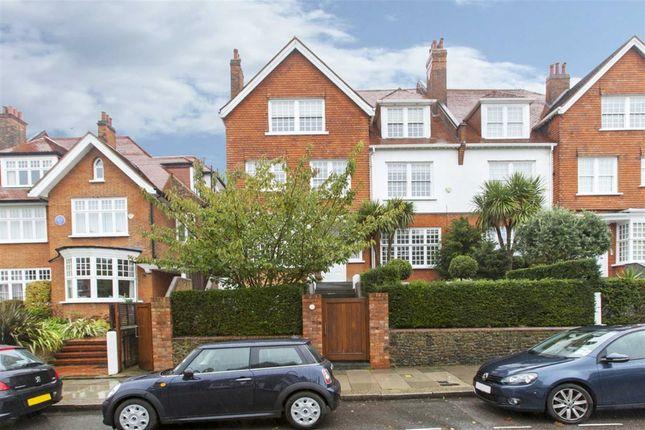 Thumbnail Flat to rent in Bracknell Gardens, London