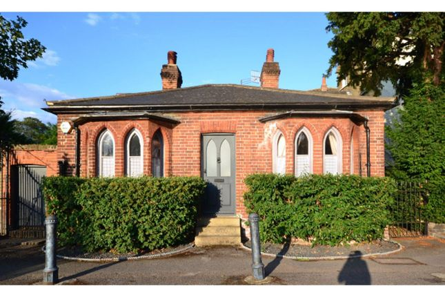 Thumbnail Detached bungalow for sale in 1 High Street, Carshalton
