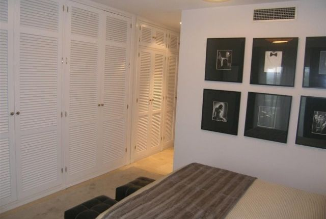 A3939_14_Bedroom Fitted Wardrobes