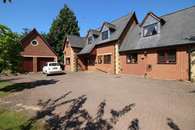 Thumbnail Detached house for sale in Tewkesbury Road, Newent