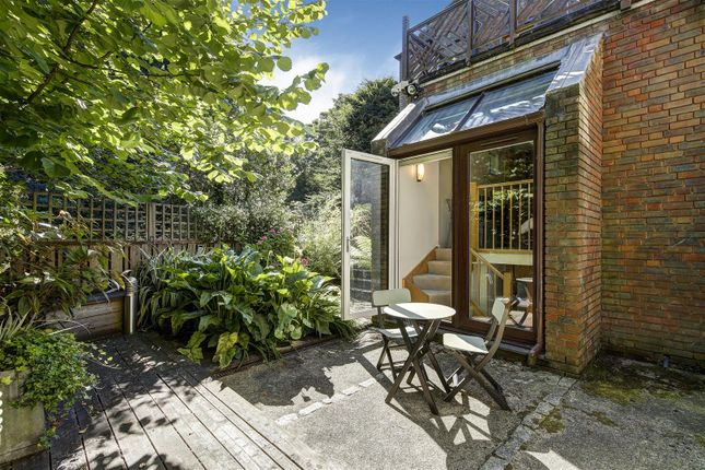 Thumbnail Property for sale in Mansion Gardens, Hampstead