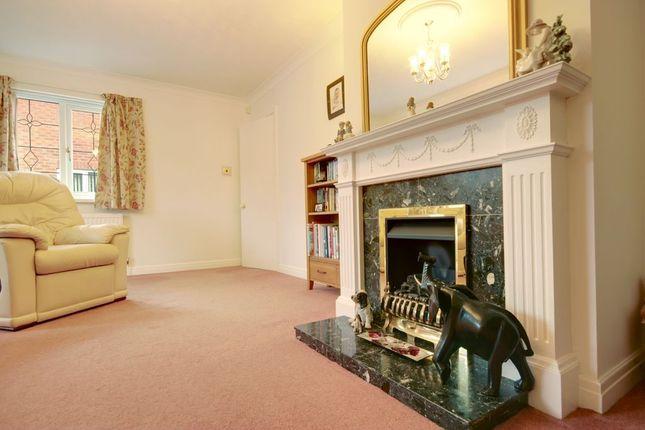 Lounge of Crawshaw Avenue, Beverley HU17