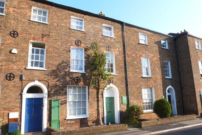 Thumbnail Flat to rent in Middle Street, Taunton