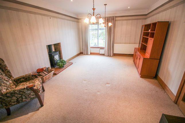 4 bed detached bungalow to rent in Church Road, Great Hallingbury, Bishop's Stortford CM22