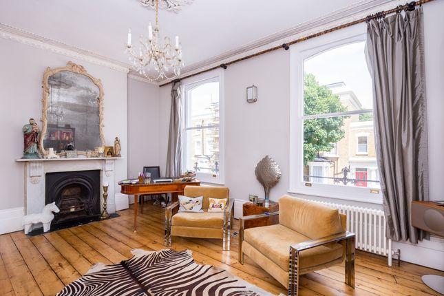 Thumbnail Flat to rent in Grosvenor Avenue, London