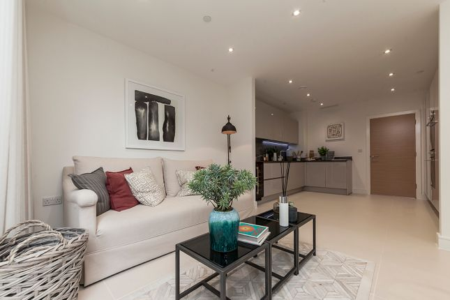 Thumbnail Town house for sale in Bourke Close, London