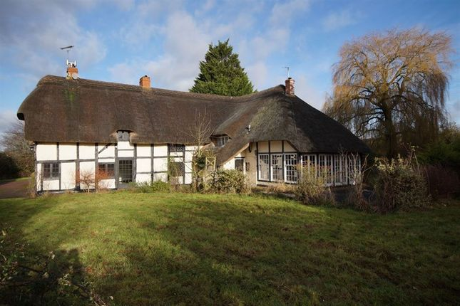 Thumbnail Cottage to rent in Shurdington Road, Shurdington, Cheltenham