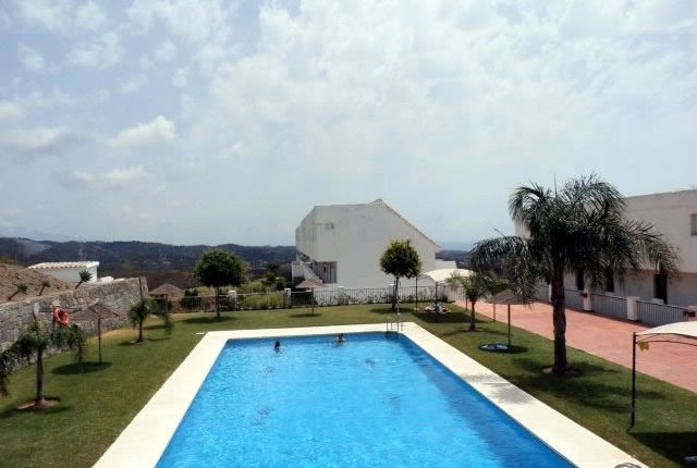 Duplex for sale in Calle Sidney, 29680 Estepona, Málaga, Spain