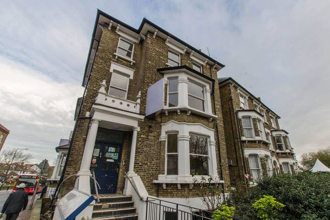 1 bed flat to rent in Charlton Road, Blackheath, London SE3