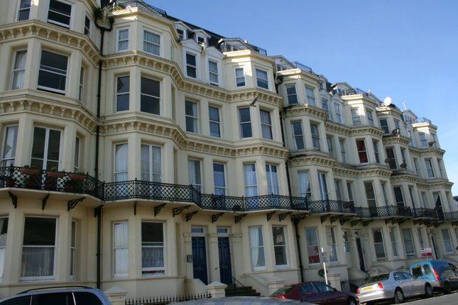 2 bed flat to rent in Queens Gardens, Eastbourne