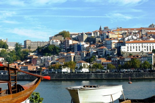 P591, Land For Development With View Of Douro River, Porto, V.N. Gaia, Portugal