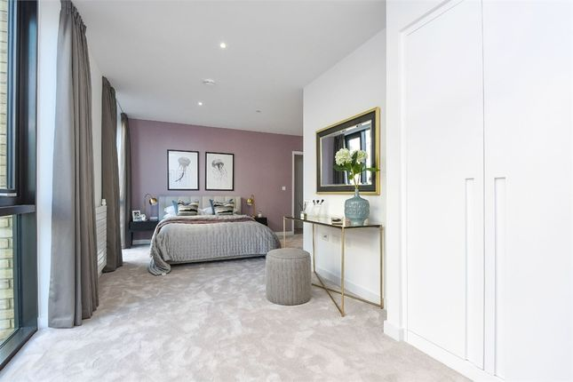 Thumbnail Flat to rent in Mastehad House, 5 Royal Crest Avenue, London