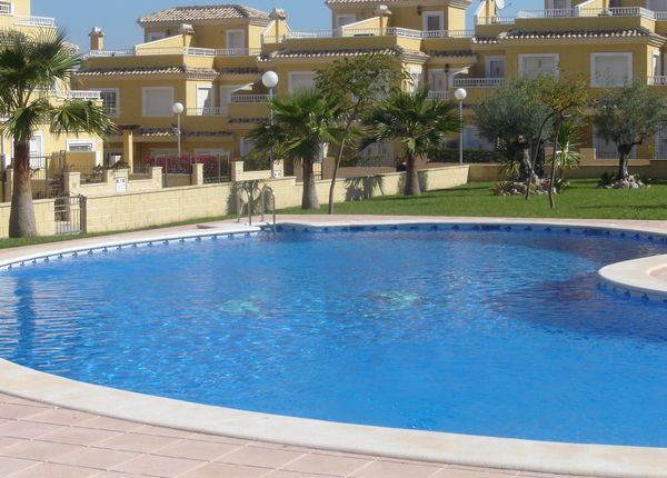 3 bed town house for sale in Alicante, Spain