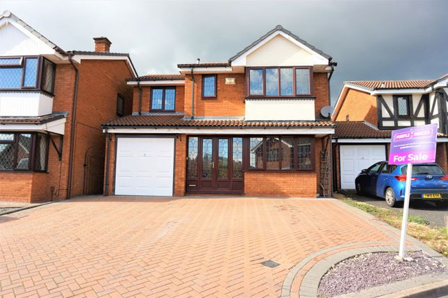 Thumbnail Detached house for sale in Mere View, Walsall