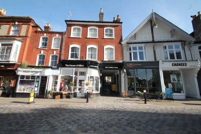 Flat to rent in High Street, Hemel Hempstead