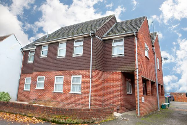 2 bed flat for sale in Chapel Street, Thatcham RG18