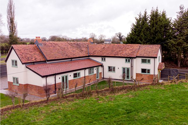 Thumbnail Cottage for sale in London Road, Stretton On Dunsmore, Rugby