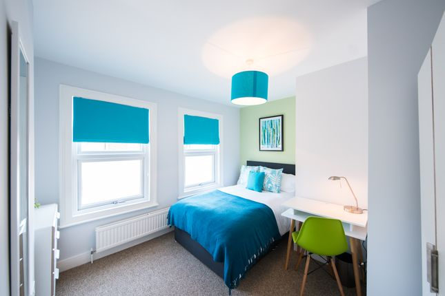 Room to rent in Shaftesbury Road, Reading