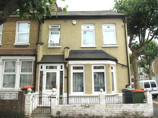 Thumbnail Terraced house for sale in Grosvenor Gardens, London