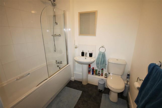 Bathroom of Devonshire Road, Eccles, Manchester M30