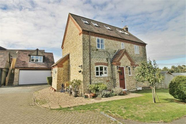 Thumbnail Cottage to rent in Coachyard, Potterspury, Northamptonshire