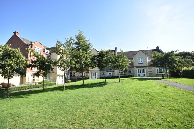 2 bed flat to rent in Whitehall Green, Wortley, Leeds LS12