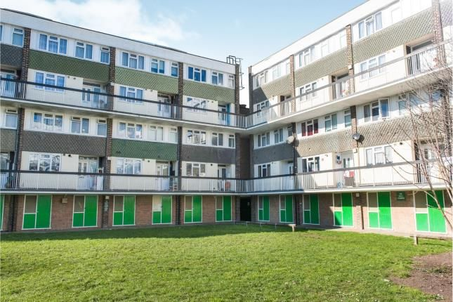 Thumbnail Flat for sale in New Malden, Surrey
