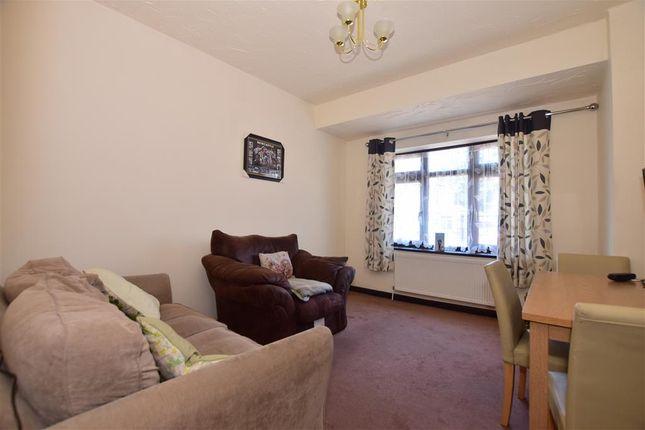 Family Room of Harold Road, London E4