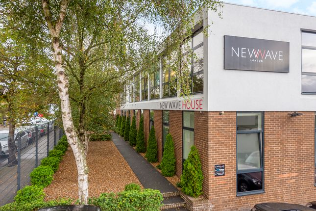 Thumbnail Office to let in New Wave House, 4 Humber Road, Staples Corner, London