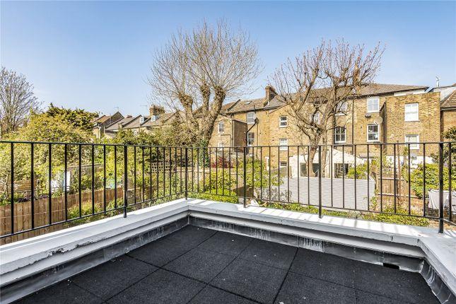 Thumbnail Flat for sale in Lorne Road, Stroud Green, London