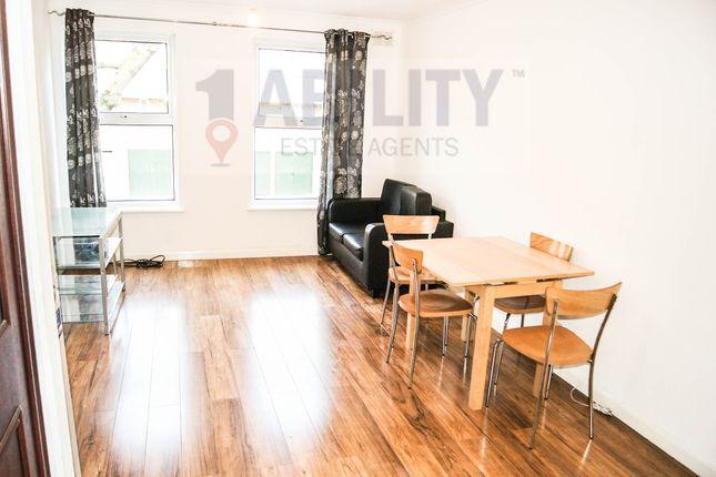 Thumbnail Flat to rent in Robin Court, Yalding Rd, London SE16 3Ss