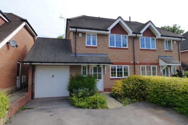 3 bed property to rent in Farnesdown Drive, Wokingham