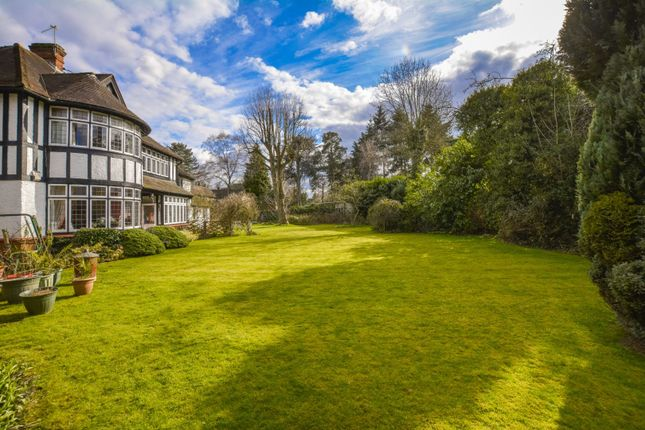 Thumbnail Cottage for sale in Gerrards Cross Road, Slough