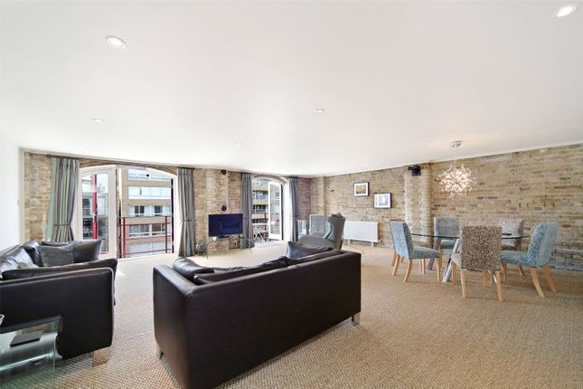 3 bedroom flat for sale in St. Saviours Wharf, 25 Mill Street, London