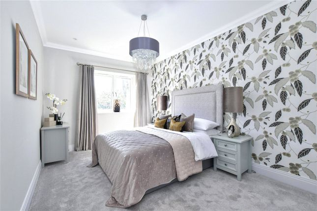 Thumbnail Flat for sale in Lower Road, Chorleywood