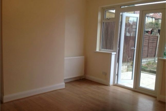 Thumbnail Terraced house to rent in Rosehill Gardens, Greenford, Middlesex