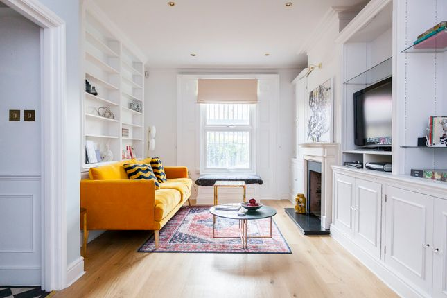 Thumbnail Town house to rent in Kings Road, London