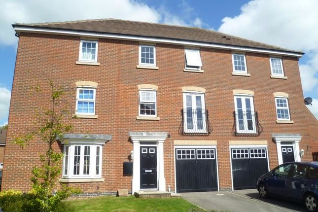 Thumbnail Semi-detached house to rent in Hornscroft Park, Kingswood, Hull