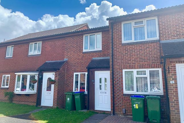 2 bed terraced house to rent in Grassymead, Fareham PO14