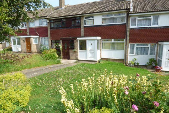 Thumbnail Terraced house for sale in North Dene, Chigwell