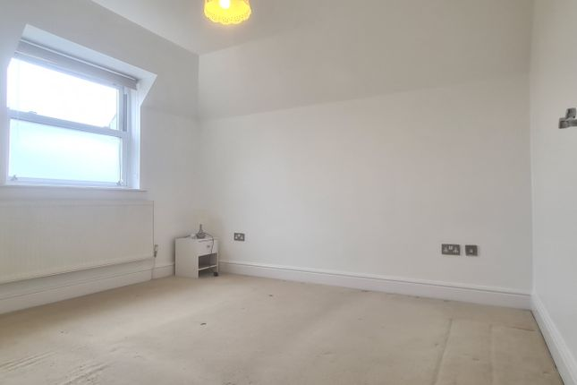 Thumbnail Flat to rent in 4 Temple Court, High Street, Waltham Cross