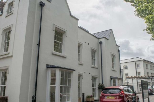 Flat for sale in Abbey Road, Malvern, Worcestershire