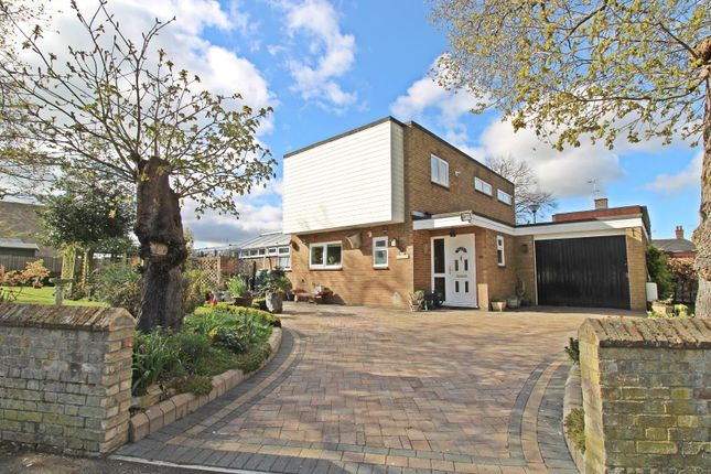 Thumbnail Detached house for sale in London Road, Biggleswade