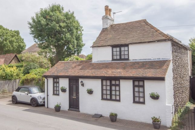 Thumbnail Detached house for sale in Kingsdown Road, St Margarets At Cliffe