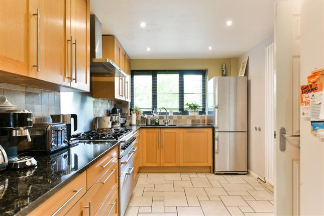 Thumbnail Detached house for sale in Vandyke Close, Redhill