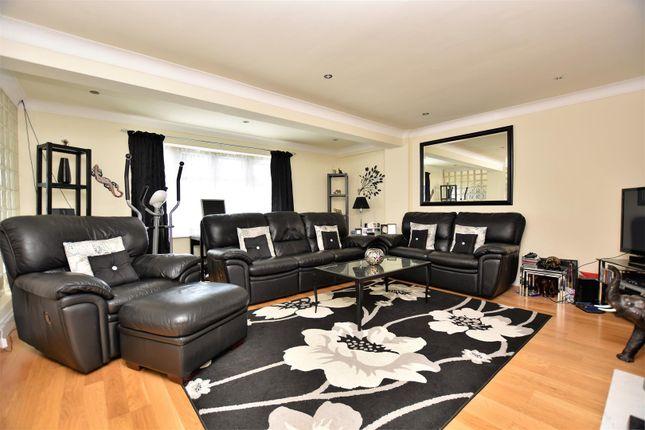 Lounge of Drudgeon Way, Bean, Dartford DA2